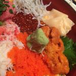 和食Dining うお座 - ランチ:海鮮ばらちらし1000円