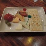 ナイトトレイン - チーズ盛り合わせ