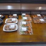 お肉の産直 ヴィラ工房 - 惣菜コーナー