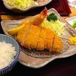 かつき亭 - エビフライとロースかつ定食 ¥1,760