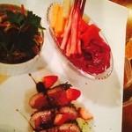 ディップ&メリー - ピクルス、トリッパの煮込み、鴨肉のバルサミコソースに苺ー!♡