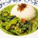 The World Kitchen - ほうれん草ペーストを加えたほんとに緑色なチキングリーンカレー950円