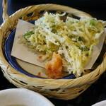 三四郎 - 白魚の天ぷら、かき揚げ