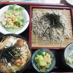 喜楽食堂 - 唐揚げ丼(ミニ)・ざるそばセット 820円
