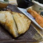 鮮魚食堂 かわしま - つぼ鯛定食+サーモン塩焼き