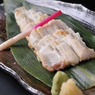 ◎広島から毎日空輸される瀬戸内の新鮮な魚介類と広島の銘酒
