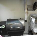 ピッツァサルーテリア - こんなオーブンで   焼きます