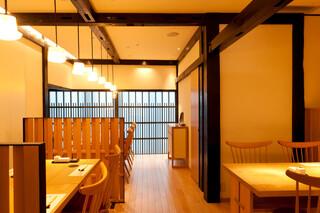 おたる政寿司 - テーブル