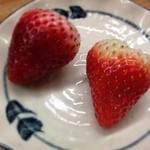 とんかつ 安右衛門 - デザート イチゴ