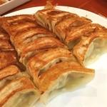 東華飯店 - 焼き餃子