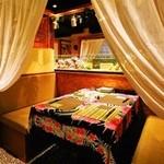 海のYey - 店内はリゾートをイメージ水槽を見ながら美味しいお酒は最高!