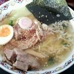 梅軒 - 塩豚トロラーメン850円