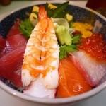 お食事処 たねいち - 海鮮丼 1200円。