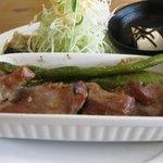 Cafe ぱ・どぅ・しゃ - もち豚のローストポーク からし醤油