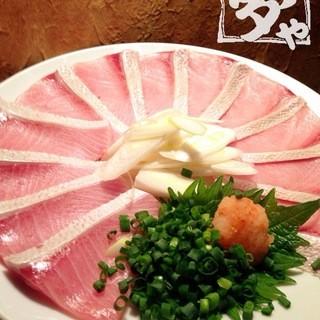 産地・築地より新鮮な旬の魚を取り揃えております。