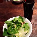 ブラッカウズ - ミニサラダ+ソフトドリンク(350円)