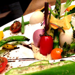 *季節のオーガニック野菜のスチームサラダ