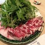 神戸料理道場 雄司 - 鯨ハリハリ鍋(具材)