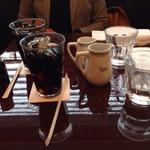 パパス・カフェ - セットのドリンク。