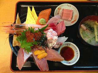 じもの亭 - 海鮮丼(華):2,000円