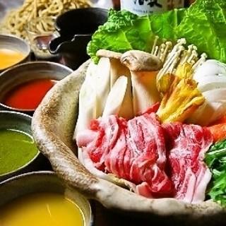 温かい鍋料理が美味しい季節ですね。5種類のお鍋を揃えました。