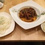 banchettare - 煮込みハンバーグランチ