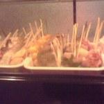 関西の味 串カツ マハカラ - 串揚げの食材たち
