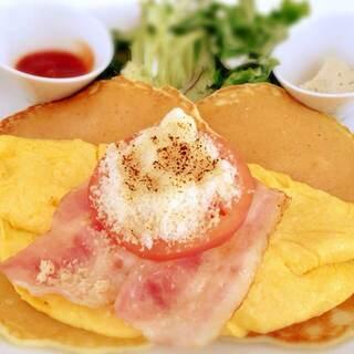 Butter 横浜ベイクォーター - 熟成ベーコンとオムレツのポテトパンケーキ