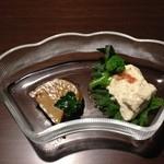 25476923 - なすびのマリネの上にフォアグラのテーリーヌ、自家製クリームチーズ
