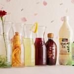 満月 - 女性が好みそうな韓国のお酒も豊富に揃っています