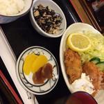 めし板垣 - 牡蠣フライ定食900円