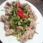イタリアンバル バル道 - 鶏ホルモンパクチー680円
