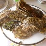 久保田水産 - 料理写真:蒸し牡蠣/2014年1月訪問