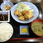 つぼつぼ - 「鶏の唐揚げ定食」680円