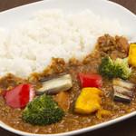 バンブーカフェ - 野菜たっぷりひき肉カレー