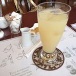 SAWAI COFFEE&TEA - 2014.2 グレープフルーツジュース450円