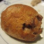 ア・タ・ゴール - くるみパン