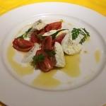 25501160 - モッツァレラチーズとトマトのカプレーゼ