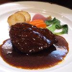 ビストロカワノ - 牛ホホ肉の赤ワイン煮込