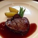 ビストロカワノ - 国産牛フィレシテーキ 赤ワインソース