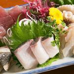 鳥魚 - 本日の新鮮魚の刺身盛り合わせ