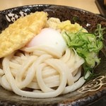 はなまるうどん - 温玉ぶっかけ冷+レンコン天ぷら 510円