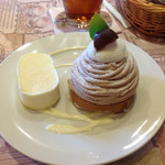 お菓子工房 スウィーツガーデン - モンブランとレアチーズ