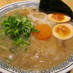 丸源 - 肉そば 半熟煮卵入り 750円(税抜き)