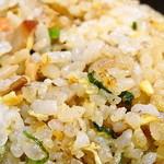 上方ざんまい屋 - 焼き飯の米の断面を良く見れば、腕の良し悪しが客観的によく分かる。