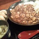 炎麻ばあちゃんの麻婆豆腐 - マーボーライス