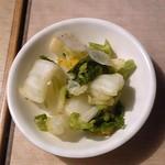 セルフうどんべつばら - 白菜漬け 無料