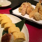 ブラッスリー 天 - 天ぷら盛合せとだし巻き玉子。
