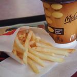 マクドナルド - ホットコーヒーとマックフライポテト(S)