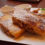 カフェ バニヤン - アップルシナモン フレンチトースト